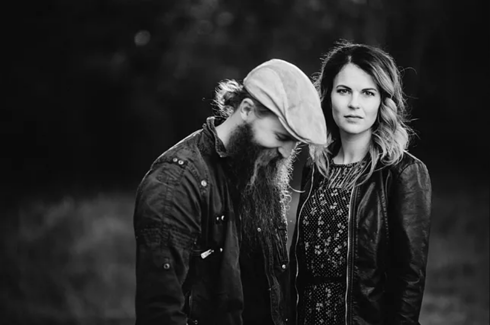 Dan and Shelley Powers play Americana and alternative country music, and are The Powers.